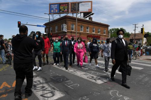George Floyd protestors hit streets across the US for third night as troops are deployed amid gunfire and mass looting