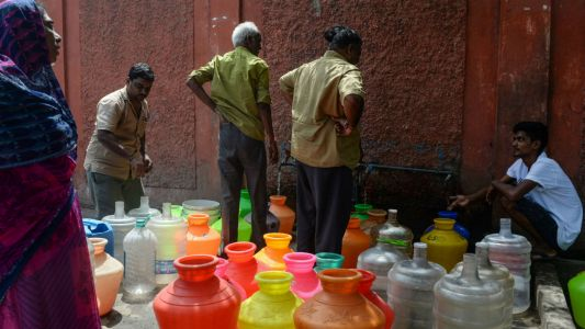 Dry Chennai: Indian megacity 'running out of water'