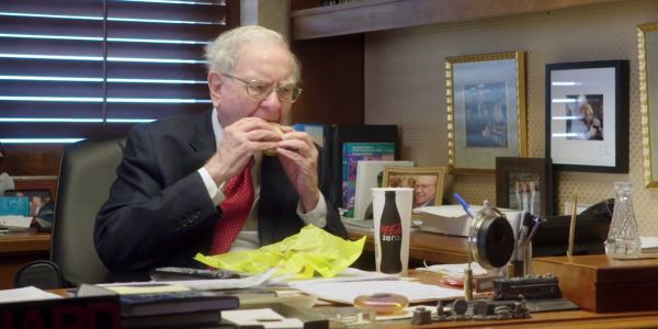 Warren Buffett joked he would be 'eating Thanksgiving dinner at McDonald's' if the US government didn't bail out the banks in 2008