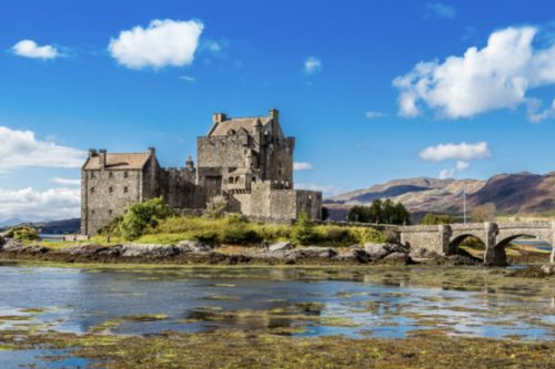 Holidaymakers head to Scottish Highlands to 'improve mental health'