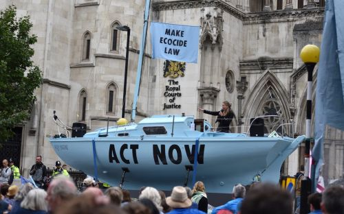 Extinction Rebellion boats banned from London by Met Police