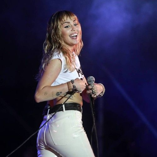 Miley Cyrus celebrates Dolly Parton's birthday with hilarious impersonation