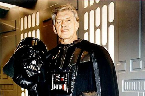 Star Wars' David Prowse's daughter's heartache at 'hospital ban before he died'