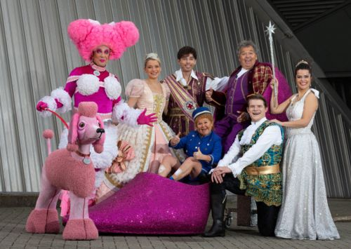 """Panto is pure magic"" - Still Game star Gavin Mitchell on playing an Ugly Sister in Cinderella at the Clyde Auditorium"