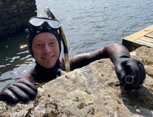 Diver Finds Precious Wedding Ring Lost In Lake. The Morning After
