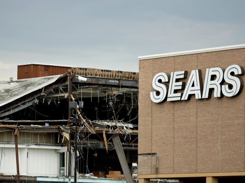 'There is no way Sears is going to survive': Sears may live on, but some say failure is inevitable