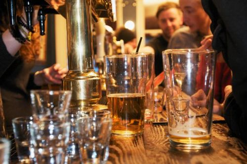 Doctor's advice on how to stay safe at the pub as restrictions ease this weekend