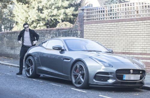 Richard Madden channels inner James Bond with swanky new car amid claims he will be offered 007 role