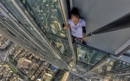 Payout for family of Chinese daredevil who died while livestreaming a stunt