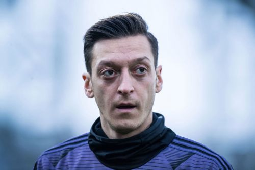 Mesut Ozil risks upsetting his teammates as he predicts the Arsenal vs Leicester scoreline