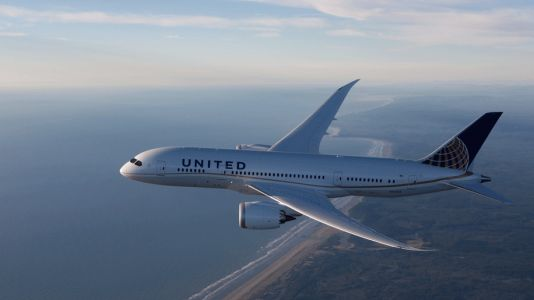 United cuts aircraft weight to save millions