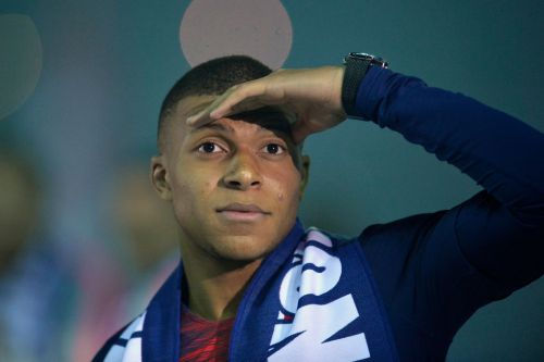 """""""I'm very happy here"""" Mbappe reiterates his happiness as PSG contract talks continue"""