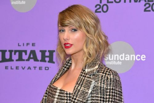 Taylor Swift pays to keep Nashville record store open for three months