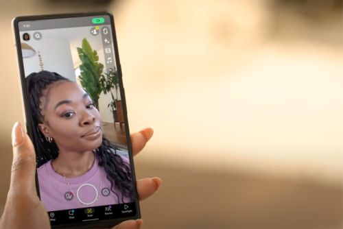 Snap and Google team up for lockscreen Snapchat access on Pixel 6