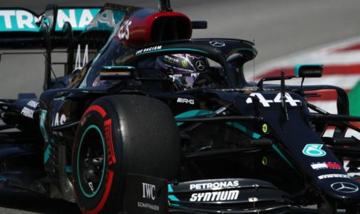 Spanish GP, Practice Three: Lewis Hamilton fastest, Esteban Ocon crashes