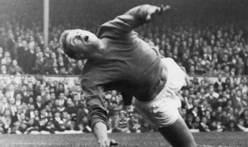Harry Gregg: Manchester United and Northern Ireland legend dies aged 87