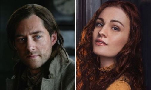 Outlander plot hole: Why didn't Roger tell Brianna about the obituary?