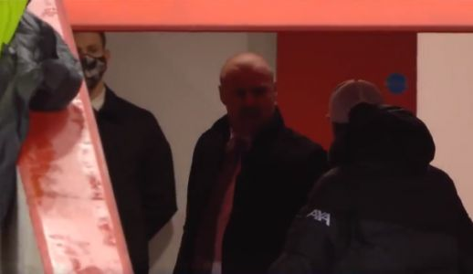 Jurgen Klopp and Sean Dyche in half-time dust-up during Liverpool vs Burnley