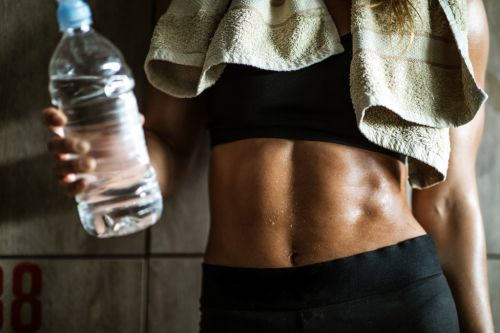 This expert tip shows exactly how much water you need to drink after exercise