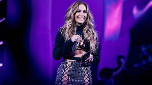 Can we please talk about JLo's killer outfit at the VMAs?