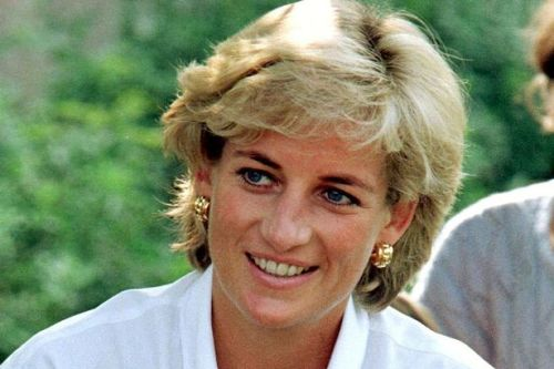 Princess Diana waited on doorstep for mum to return - but she never did
