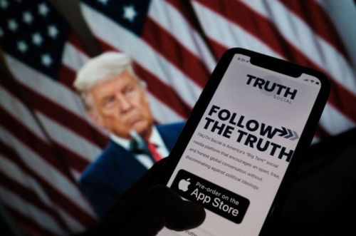 Trump to launch social media platform to compete with Twitter and Facebook