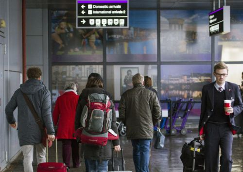 Travel agents fight back against Airbnb