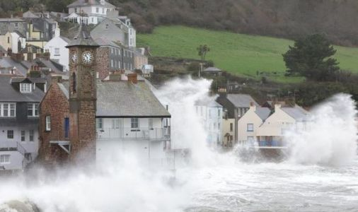 UK weather alert: Britain's coast at risk as scientists issue dire climate change warning