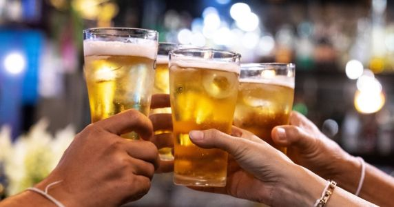 Get used to £6 pints as standard as beer prices set to rise by 30p