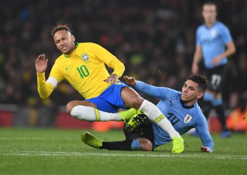 Lucas Torreira breaks Firmino and Neymar in half with incredible double tackle