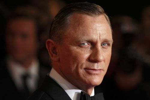 Daniel Craig breaks silence to pay tribute to original Bond Sir Sean Connery