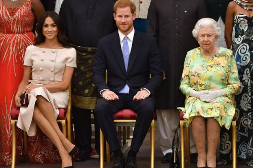 'Queen will rise above Meghan and Harry mess to ensure Crown survives'