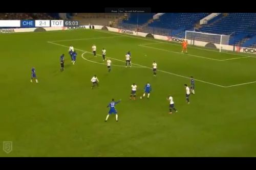 : Tino Anjorin shows strength and skill to beat 3 Spurs players and get a shot off