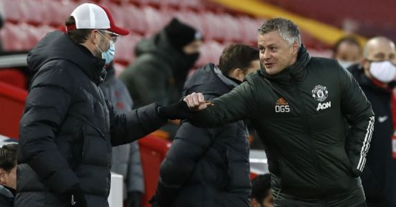 Fernandes offers Man Utd advice about 'looking back' on Liverpool clash