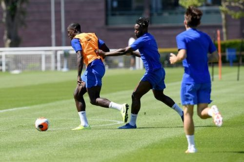 """Michy Batshuayi tackles Jorginho """"a little late"""" in intense return to action at Cobham"""