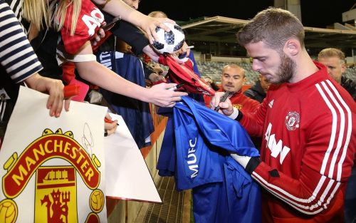 David De Gea to commit future to Manchester United by signing long-term £350,000 a week contract