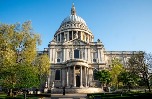 ISIS supporter, 36, admits plotting suicide bomb attack on St Paul's Cathedral