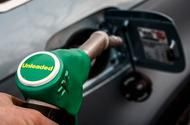 Fuel pumps should have cigarette-style warnings, claim health experts