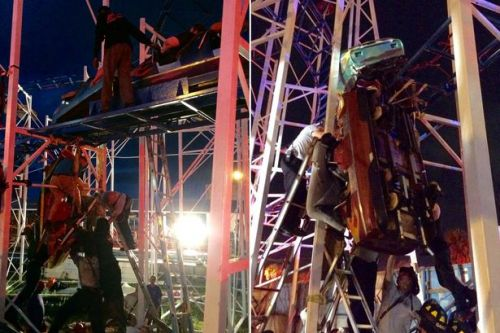 Florida rollercoaster derails injuring two who plunged 25ft as riders left dangling from car above Daytona Beach boardwalk