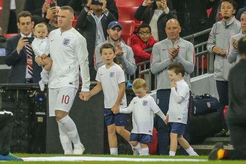 Wayne Rooney honoured by Wembley crowd ahead of 120th England cap vs USA