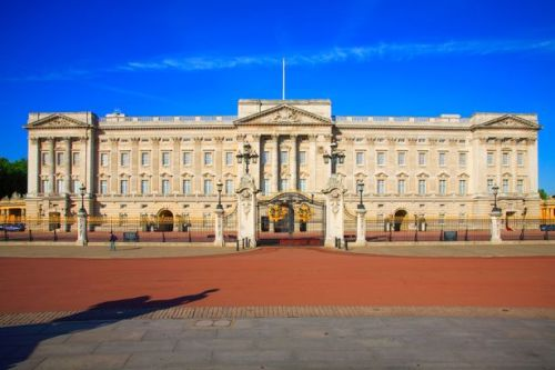 Royal palaces spookiest sightings - dead monarchs, scary monk and eerie gunshots