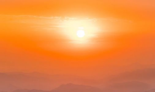 UK weather warning: World to experience EXTREME heat for next FOUR YEARS