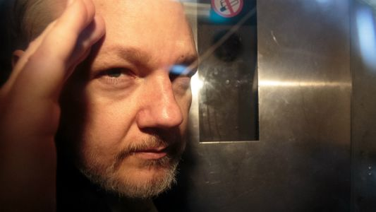 Instant Opinion: 'now is the time to defend Julian Assange'