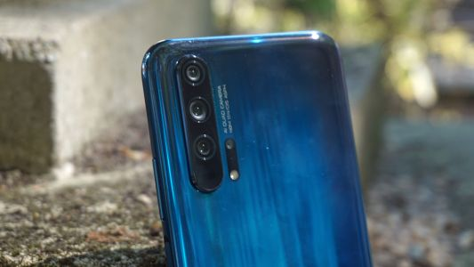 Honor 30 Pro gespot met quad-camera opzet in renders