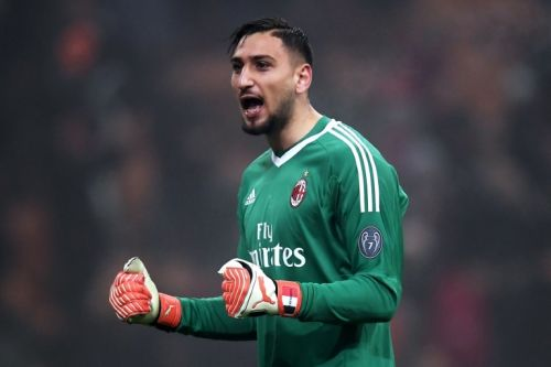 Chelsea still interested in mega money free agent goalkeeper