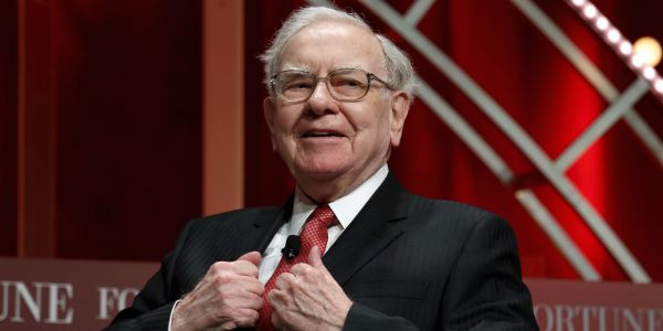 Warren Buffett's Berkshire Hathaway sold nearly $390 million worth of Delta and Southwest shares this week