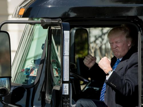 'MAYDAY': The largest organization of independent truck drivers is demanding that Trump provide masks, testing, and quarantine zones for truckers