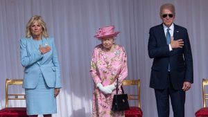 Was the Queen's outfit a secret show of support to the US?