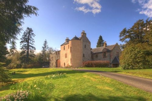 Bridgerton-inspired Scottish castle owners looking to home swap