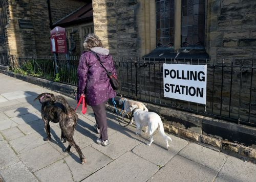Voters head to the polls as battle for Number 10 underway